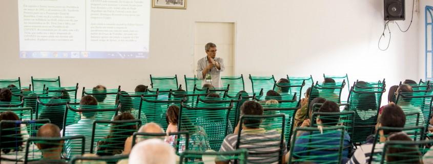 Diretor do DEMEC, José Roberto Campos de Souza, fala aos participantes do Encontro na 4ª Região _ Foto Luciano Oliveira