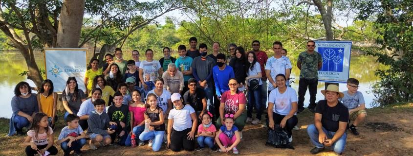 Ação de limpeza das margens do Rio Machado - Cacoal/RO realizado pela Associação Novo Encanto junto com a Orientação Espiritual de Jovens e Crianças, 2021 | DMC/Núcleo Estrela Oriental